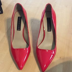 RED PATENT LEATHER HEELS!